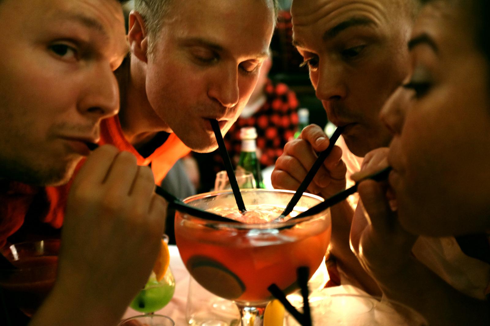 Boire-un-verre-suffirait-à-nous-rendre-plus-beau-414175