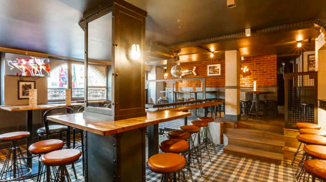 Le Pub Saint-Michel à Paris