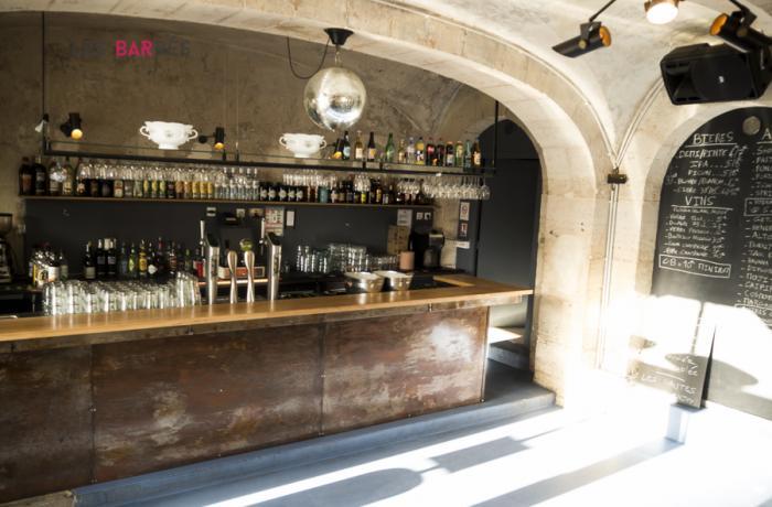 les Nautes bar à l'intérieur