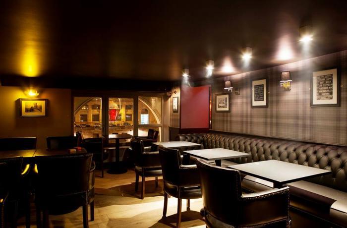 Le Pub Saint-Michel : L'espace lounge