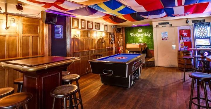 The Long Hop : Le billard