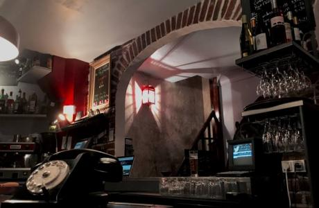Le Bar le Téléphone Bar à Paris 17 - On attend un coup de fil ?