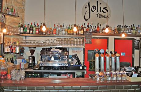 Le Bar les Jolis Mômes Pigalle à Paris 9 - le bar