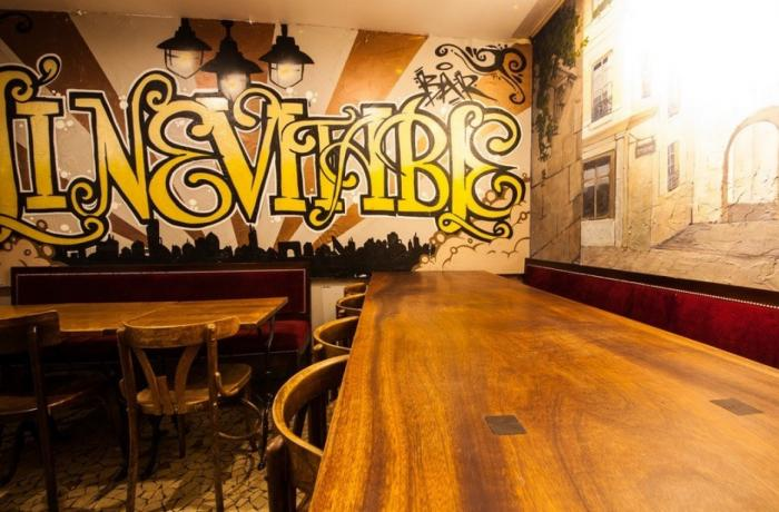 Le Bar-Pub l'Inévitable à Paris 5 - Le tag du bar