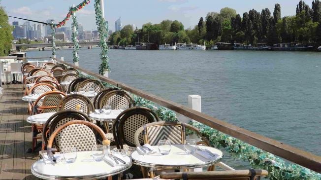 Réserver, privatiser, louer l'aqua restaurant pour vos evenements dans la banlieue de Paris a Suresnes 92