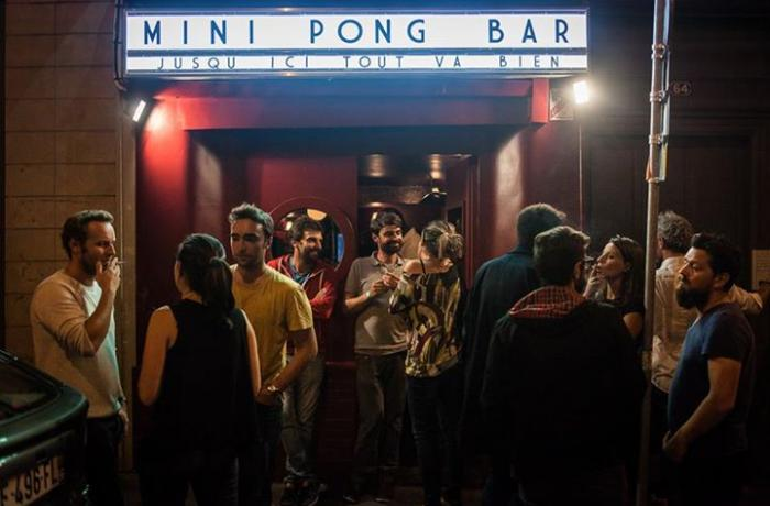 Le Bar le Mini Pong à Paris 9 - La devanture