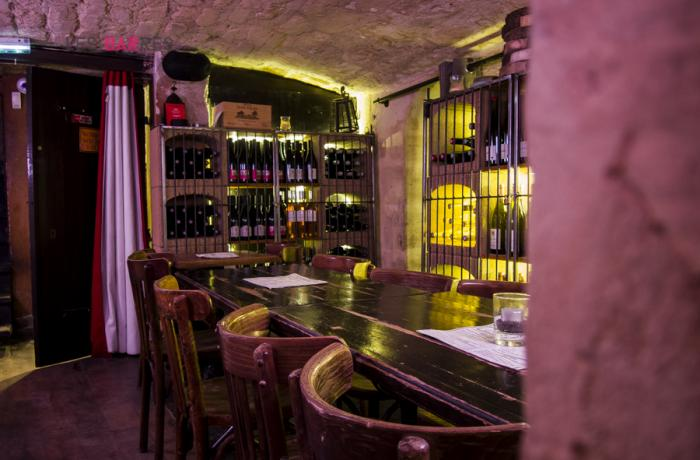 Le Bar-Restaurant l'Estaminet à Paris 11 - L'entrée de la cave