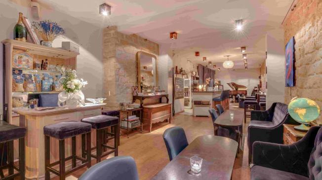 un bar italien à Paris