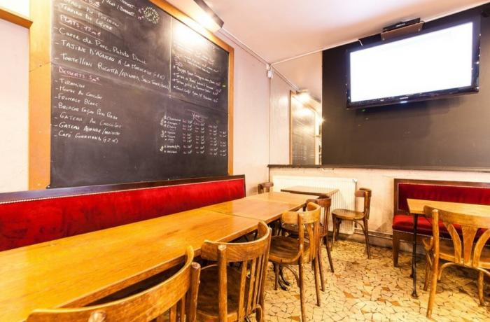 Le Bar-Pub l'Inévitable à Paris 5 - Les tables