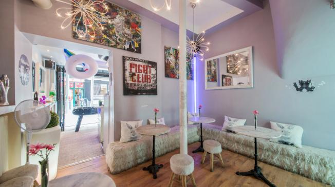 Le bi bar à Par le Pachi Pacha Minaris 12 - La petite salle derrière