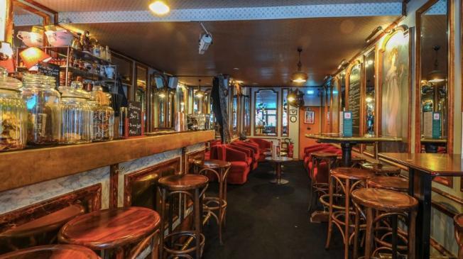 Le Bar-Pub le Docteur Lupin à Paris 9 - Le bar & la salle principale