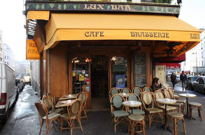 Le Bar-Pub le Lux Bar à Paris 18 - La devanture