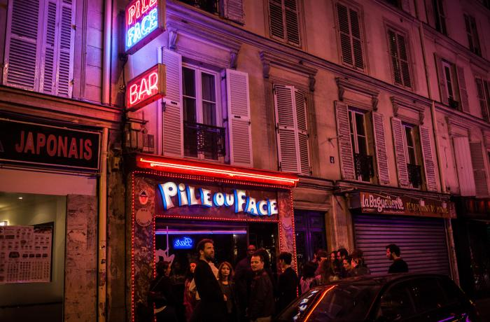 Le Bar à cocktail le Pile ou Face à Paris 9 - La devanture