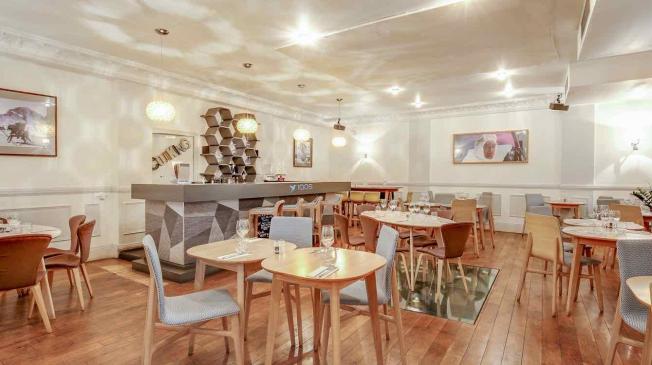 Le Bar-Restaurant la Démesure à Paris 9 - Le restaurant