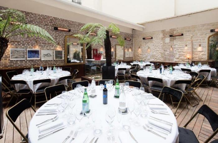 Restaurant le patio paris r server avec lesbarr s for Restaurant avec patio paris