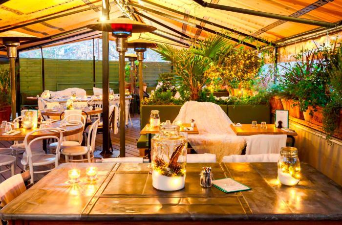 Restaurant la brasserie auteuil paris r server avec for Restaurants paris avec terrasse ou jardin
