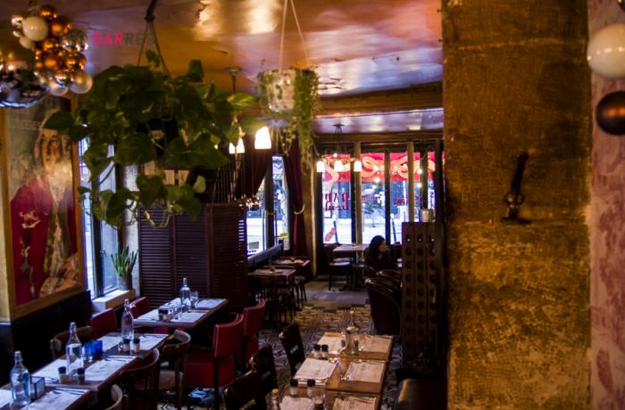 Le Bar-Restaurant l'Estaminet à Paris 11 - La salle principale