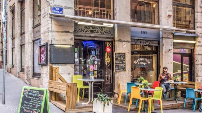 Le Bar-Restaurant le Ibiza Coffee Lounge à Lyon 1 - La Devanture