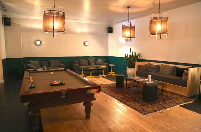 restaurant la brasserie auteuil paris r server avec lesbarr s. Black Bedroom Furniture Sets. Home Design Ideas
