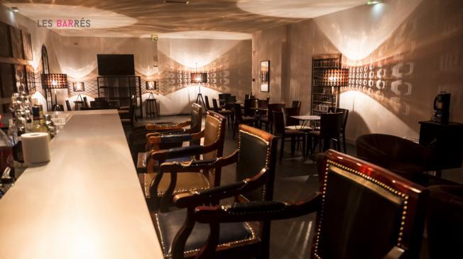 bar le cercle conan doyle paris r server avec lesbarr s. Black Bedroom Furniture Sets. Home Design Ideas