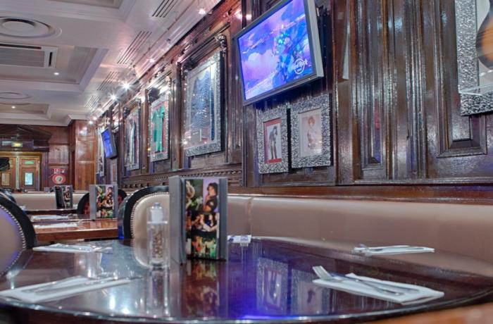 Le Bar-Restaurant le Hard Rock Café à Paris 9 - La mezzanine
