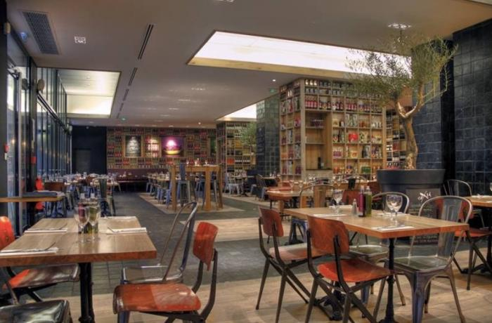 restaurant fuxia bordeaux bordeaux r server avec lesbarr s. Black Bedroom Furniture Sets. Home Design Ideas