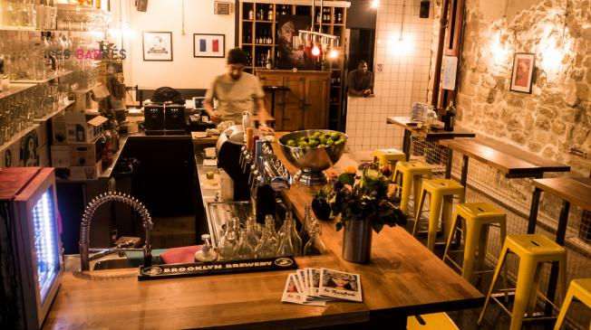 Le Bar-Pub le Chez Bouboule à Paris 2 - La salle et le bar